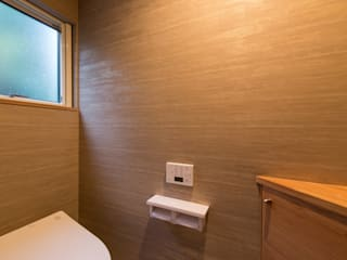 Banheiros modernos por 株式会社ルティロワ 一級建築士事務所 Moderno