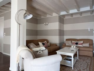 Restyling con soppalco Soggiorno classico di ADI ARREDAMENTI Classico
