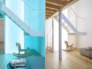 Salas de estilo  por MIROarchitetti