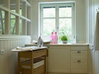 Nuestro emblemático carrito para la plancha: Cocinas de estilo  de DEULONDER arquitectura domestica