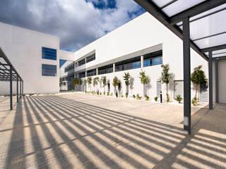Centro de Salud 'Albacete 1'. Parcela D-2. Sector 11 del P.G.O.U. de Albacete. Casas de estilo minimalista de beades arquitectos s.a.p. Minimalista
