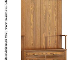 Garderobe Massivholz & klassisch: klassischer Flur, Diele & Treppenhaus von Massiv aus Holz