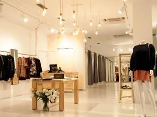 Etxe&Co Oficinas y Tiendas Blanco