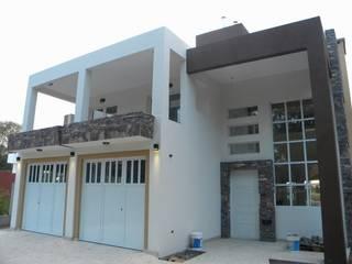 Vivienda LOPEZ TOLEDO - DAFUNCHIO: Casas de estilo  por Rakita - Matteoli & Asoc. ......................  RM arquitectos
