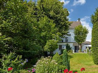 Garten eines Privathauses: moderner Garten von Ralph Rainer Steffens Photographie