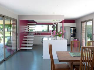 Cocinas de estilo moderno por Atelier d'Architecture Marc Lafagne,  architecte dplg