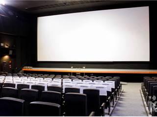 Cine Sesc: Espaços comerciais  por KN Associados,Moderno