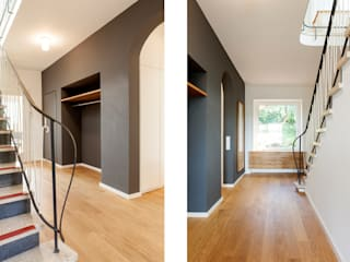 Couloir et hall d'entrée de style  par Holzerarchitekten, Moderne