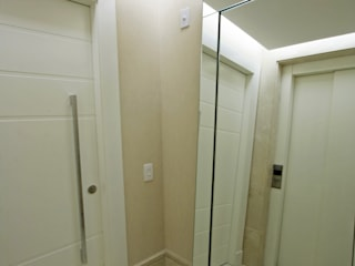 Apartamento Granja Julieta Corredores, halls e escadas modernos por Officina44 Moderno