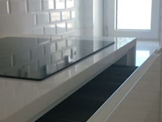 COZINHA VISO:   por Atelier Ana Pereira Arquitetura e Decoração de Interiores,Moderno