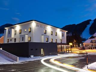Hôtels modernes par Atelier Fürtner-Tonn Moderne