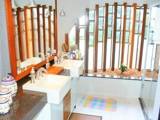 Rustic style bathroom by Hérmanes Abreu Arquitetura Ltda Rustic