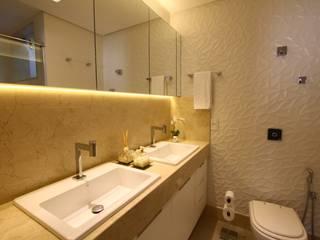 現代浴室設計點子、靈感&圖片 根據 Oleari Arquitetura e Interiores 現代風