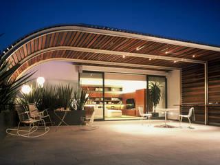 Terraza Balcones y terrazas de estilo moderno de Weber Arquitectos Moderno Madera Acabado en madera