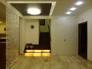 Maddineni Residence Modern corridor, hallway & stairs by Freelance Designer Modern