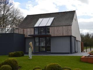 STROOM architecten Modern style gardens