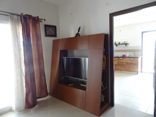 Apartment in NCC Urban Gachibowli. Modern living room by Freelance Designer Modern