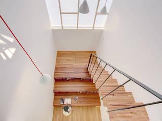 Gang en hal door mlnp architects