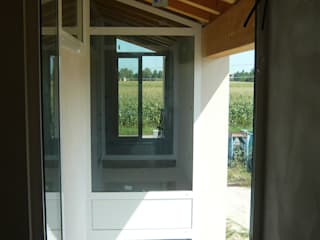 Modern Windows and Doors by studi di progettazione riuniti Modern