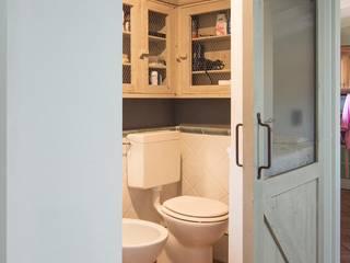 Rachele Biancalani Studio Industrial style windows & doors Wood White