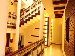 Pasillos, vestíbulos y escaleras de estilo moderno de stanzza Moderno