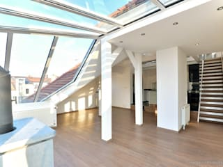 Einmalige Dachterrassen Altbauwohnung Moderne Esszimmer von Lebenstraum-Immobilien GmbH & Co.KG Modern