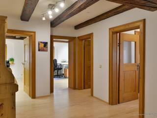 Büro in historischem Gebäude in prominenter Lage Moderne Bürogebäude von Lebenstraum-Immobilien GmbH & Co.KG Modern