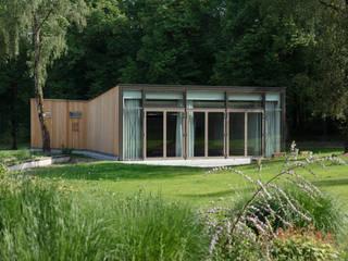 Besucherzentrum Rummelsberg: klassische Häuser von hümmer söllner architekten