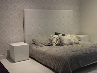 Classic style bedroom by RCRD Studio Classic