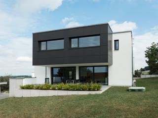 Haus G.: moderne Häuser von hümmer söllner architekten