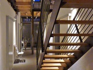 """Wohnhaus """"STAHL"""" - Konzept ohne Dogma Moderner Flur, Diele & Treppenhaus von buttler architekten Modern"""