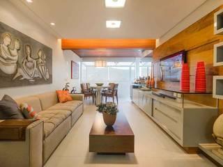 Sala do Flat: Salas de estar  por arqMULTI