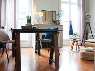 Гостиная в скандинавском стиле от Cécilia Cretté architecte Скандинавский