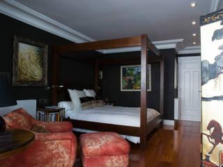 Chambre moderne par Belén Sueiro Moderne