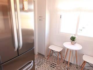 Diseño de Cocina en Madrid Línea 3 Cocinas Madrid Cocinas de estilo moderno Cerámico Blanco