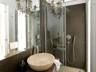 bagno room moka: Bagno in stile in stile Eclettico di FS design