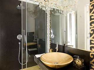 bagno room oro: Bagno in stile in stile Eclettico di FS design