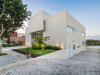 CASA DE CAMPO 600,00 M2: Casas  por arqMULTI,Moderno