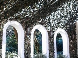 Residência do Pátio do Arcos : Jardins  por Marisol Réquia Arquitetura,