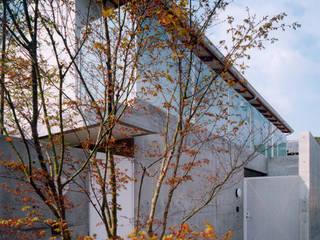 Moderne Häuser von 株式会社 小林恒建築研究所 Modern