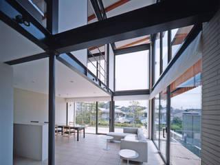 Moderne Wohnzimmer von 株式会社 小林恒建築研究所 Modern