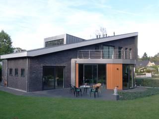 โดย ir. G. van der Veen Architect BNA โมเดิร์น