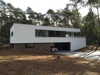 Casas modernas de ir. G. van der Veen Architect BNA Moderno