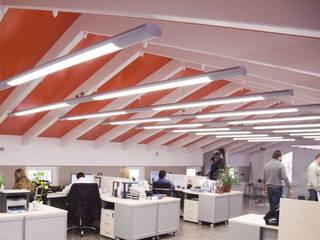 Edificios de Oficinas de estilo  por Mebius Group