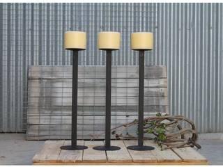 Candelabros Añil Diseño:  de estilo  de Añil Diseño