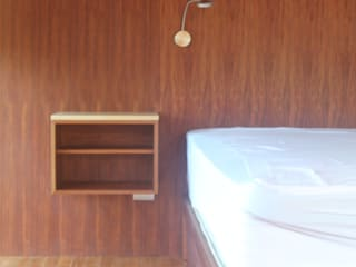 Minimalist bedroom by L atelier Minimalist