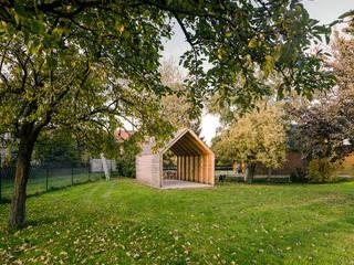 Nhà để xe/nhà kho phong cách tối giản bởi JAN RÖSLER ARCHITEKTEN Tối giản Gỗ Wood effect