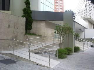 Modern office buildings by karen viegas arquitetura e gerenciamento Modern