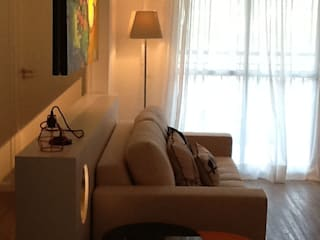 Modern living room by karen viegas arquitetura e gerenciamento Modern