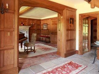 Koridor dan lorong oleh Stuart Interiors , Klasik